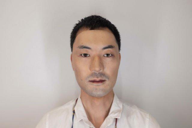Японская компания покупает ваше лицо и продает его как гиперреалистичную маску.